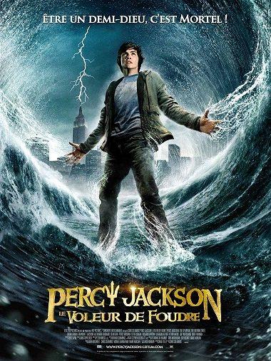 Percy%20Jackson%20et%20le%20voleur%20de%20foudre%20(petit%20format).jpg